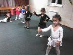 Танцевальные кружки для детей от 4 лет – Рабочая программа на тему: Программа Кружок по хореографии «Веселый каблучок» (дети от 4 до 7 лет) (дополнительное образование) | скачать бесплатно